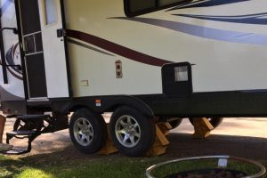 TrailerLegs vs. Alternative Stabilizers and Jacks